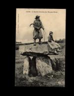29 - LE MENEZ-HOM - Commune De Plomodiern - Druide - Menhir - Plomodiern