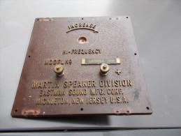 Plaque De Radio US MARTIN SPEAKER DIVISION 13x 13 Cm - Radios