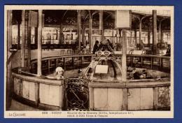03 VICHY Source De La Grande Grille, Température 41°, Débit 3.000 Litres à L'heure - Animée - Vichy