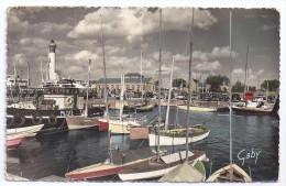 CPSM Photo Ouistreham Calvados 14 Yacht Et Le Port Bateau Pilote édit Artaud N°37 écrite 1958 - Ouistreham