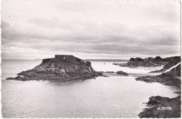 22. Pf. SAINT-QUAY-PORTRIEUX. Le Rocher De La Comtesse Et La Plage. 14 - Saint-Quay-Portrieux