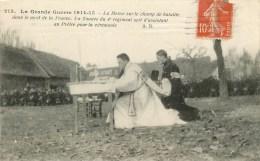 1915 - Messe Sur Le Champ De Bataille Dans Le Nord -1915 - Un Zouave Du 4 ème Sert D'assistant - Cpa En Bon état - War 1914-18