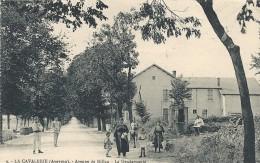 Aveyron: La Cavalerie, Avenue De Millau, La Gendarmerie, Belle Carte Animée - La Cavalerie