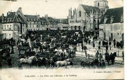 N°38771 -cpa Falaise -la Foire Aux Chevaux à La Place Guibray- - Fiere