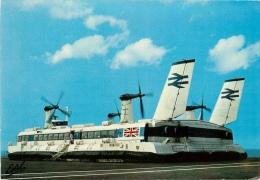 CPSM Boulogne-Le Portel-Bâteau-Aéroglisseur Britannique    L1707 - Boulogne Sur Mer