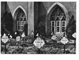 Kloster St. Marienstern, Friedhof Der Konventualinnen Vor Dem Ostflügel Der Klausur. Normalformat - Panschwitz-Kuckau