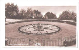 THE FLORAL CLOCK  WESTCLIFF ON SEA NR SOUTHEND ON SEA ESSEX DISTANT PIER - Southend, Westcliff & Leigh