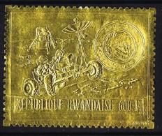 1969  Apollo VIII  Alunissage Espace MiNr 473A  ** Timbre Or  - MNH  Gold Stamp - Space - Rwanda