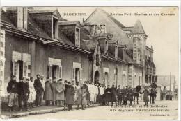 Carte Postale Ancienne Ploermel - Entré Des 63e Et 64e Batteries. 102e Régiment D'Artillerie Lourde - Militaire - Ploërmel