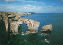 Postcard - The Green Bridge Of Wales, Pembrokeshire. A - Pembrokeshire