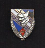 PUCELLE : 24° Groupe Vétérinaire, émail, Bleu Foncé,24 Doré, Dos Guilloché Argenté, Attache épingle 1 Pastille .DRAGO. - Armée De Terre