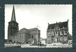 DIEPENBEEK: Gemeentehuis En St Servatiuskerk, Niet Gelopen Postkaart (GA15644) - Diepenbeek