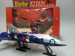 DINKI - DIECAST TOYS - ZYGON PATROLLER WITH CUT OUT SPACE STATION 363 - Automobili