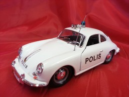 BURAGO 1:24 Cod. 0521 - PORSCHE 356 B COUPE' - POLIS - FINLANDIA POLICE - Automobili