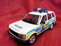 BURAGO 1:24 Cod. 16105 - RANGE ROVER - POLICE - GUIDA A DESTRA - - Automobili