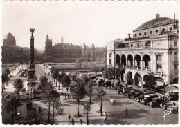 Paris: OLDTIMER VOITURES/CARS, VANS/CAMIONS & AUTOBUS - Place Du Chatelet - France - Passenger Cars