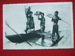MICRONESIE - CAROLINES - RETOUR DE PECHE .....BELLE CARTE - - Micronésie