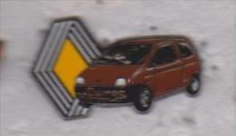 Pin's RENAULT TWINGO - Skating (Figure)