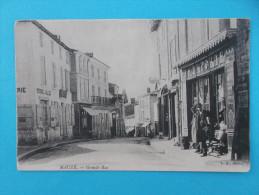 79 : MAUZE Sur Le MIGNON : GRANDE RUE :  C.P.A.,carte En Trés Bon état , Animée - Mauze Sur Le Mignon