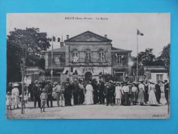 79 : MAUZE Sur Le MIGNON : LA MAIRIE :  C.P.A.,carte En Trés Bon état , Animé - Manifestazioni