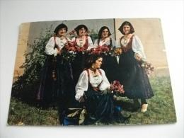 COSTUMI SARDI TORTOLI  Gruppo Di Donne Con Fiori - Costumi