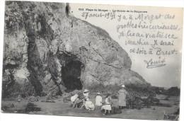 (343-29) Plage De Morgat - La Grotte De La Baignoire - Finistère - Morgat