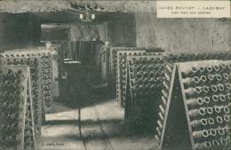 21 VOUGEOT / Caves Bouvet Ladubay Les Vins Sur Pointe / - France