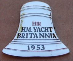 CLOCHE DU BATEAU LE BRITANNIA - EX H.M  YACHT DE LA REINE D´ANGLETERRE 1953  - QUEEN    -        (10) - Boats