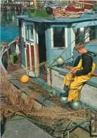CPM - Pêcheur - Fishing