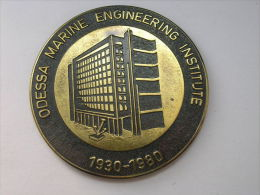RUSSIE Russland 1980 Grosse Medaille Big Table Medal Odessa Marine Engineering Institute - Elongated Coins