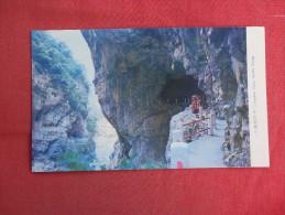 Taiwan   Swallow  Cave Torako Gorge ---  Ref 1486 - Taiwan
