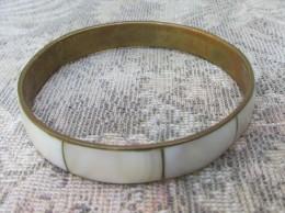 1  Bracelet Nacre Et Laiton - Bracelets
