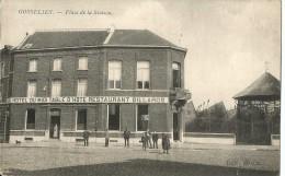 -GOSSELIES-,Place De La Station;kiosque Hotel Du Midi,restaurant, Billards-Plusieurs Personnes Devant L´hotel - Restaurants