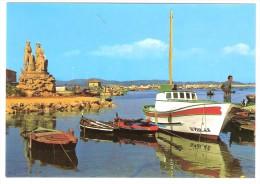 EL GROVE, Pontevedra, Espana: Monumento Al Mariscador; Puerto ; Barcos, TB - Pontevedra