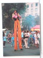 CIRQUE KNIE -  - PARADE A GENEVE 9/86 - GEANT SUR ECHASSES - 300 EX. - ETAT NEUF - Cirque