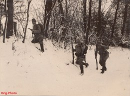 Orig.Photo Allemande- Soldats Allemand Tschako Fusil A La Charge Sous Bois Dans La Neige(guerre1 4-18)lire+bas - War 1914-18