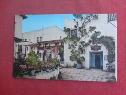 California> Santa Barbara  Hand Colored--Inner Court De La Guerra Studios ref 1495