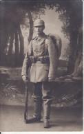 Carte Postale Photo Militaire Allemand 12 Regiment ERFURT ? Casque-Cartouchière-Fusil-Sac à Dos-Paysage Photo Montage - Personen
