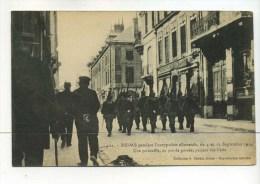 CPA  51   :  REIMS  Troupes Allemandes Rue Cérès     VOIR    DESCRIPTIF   §§§ - Reims