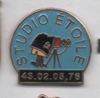 Superbe Pin´s En EGF , Studio Etoile , Photo - Fotografia