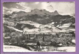 Dépt 04 - BARCELONNETTE - Alt. 1140m - Ses Champs De Neige - Photo Véritable - Barcelonnette