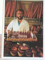 CHEVILLY LARUE (94) - M. GOUSSIER DANS SA BOULANGERIE-PATISSERIE PLACE DE LA LIBERATION - 17/11/89 - ETAT NEUF - Chevilly Larue