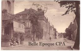 24 - BERGERAC - Cours Victor Hugo / BAR +++ Sans éditeur +++++ Vers Saint-Mandé, 1933 +++ RARE / PAS Sur Delcampe - Bergerac