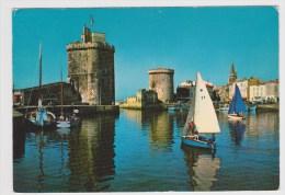LA ROCHELLE EN 1978 - N° 3294 A - VOILIER TOUTE VOILE DEHORS EN ROUTE POUR LE GRAND LARGE - La Rochelle
