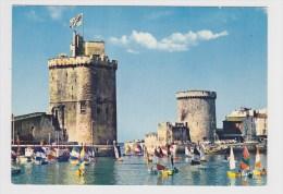 LA ROCHELLE - N° 171  60  - LA TOUR ST NICOLAS ET LA TOUR DE LA CHAINE AVEC VOILIERS - CPSM NON VOYAGEE - Ed. GREFF - La Rochelle