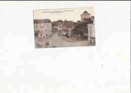 La Roche-Posay-les-Bains  86   La Place De L'Eperon-le Donjon Et La Porte De La Ville Et Rue Animée - La Roche Posay