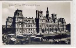 PARIS - L´Hotel E Ville Et Tram, Animation - Transport Urbain En Surface