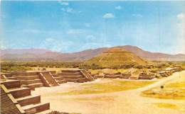 18125 Mexico, Teotihuacan, The Sun Pyramid at San Juan