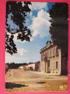 17 - Ile D´Aix - Le Rue Et Musée Napoléon - Neuve Bon état - Recto-verso - France