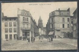 - CPA 87 - Saint-Junien, la rue de la Libert�